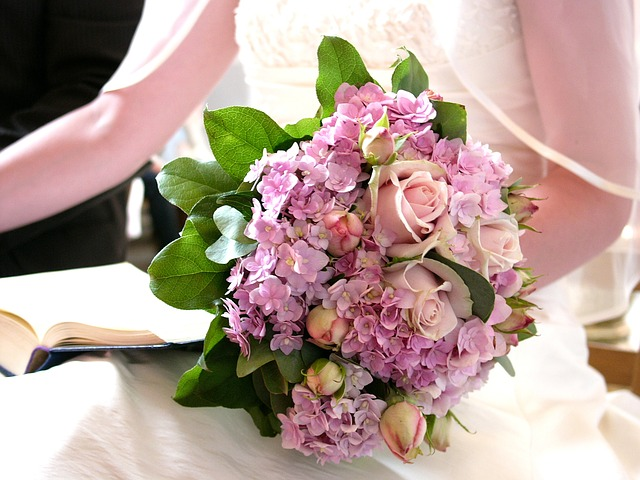 wedding-855424_640