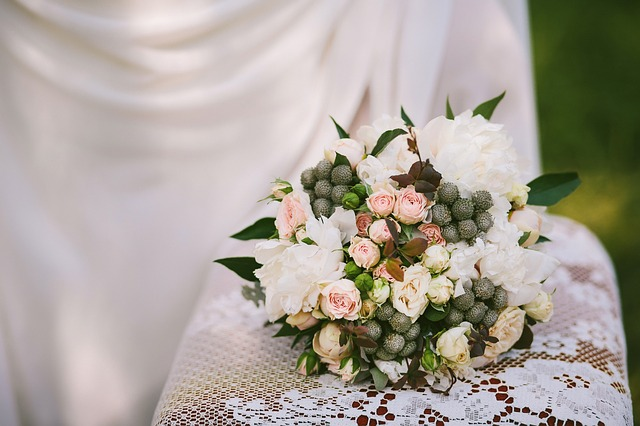 bridal-bouquet-2431142_640