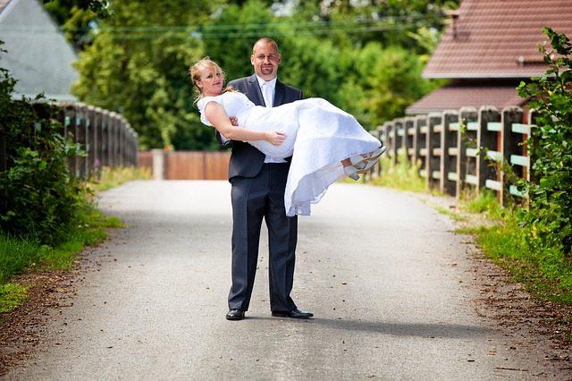 wedding-3644305_640